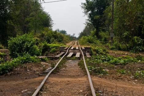 De spoorlijn in even volle glorie: kan wel een opknapbeurt gebruiken ;)